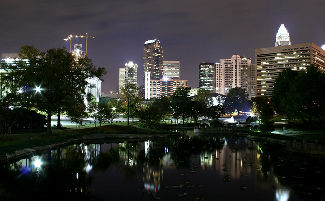 Charlotte_night-shot-654x404